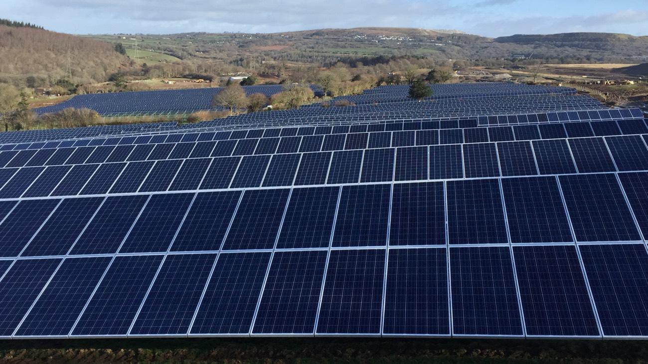 photovoltaik_freilandanlage_uk_neu